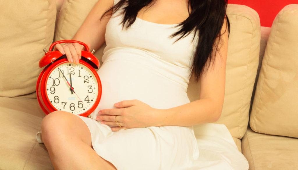 ¿Por qué cae la fertilidad de las mujeres a los 35?