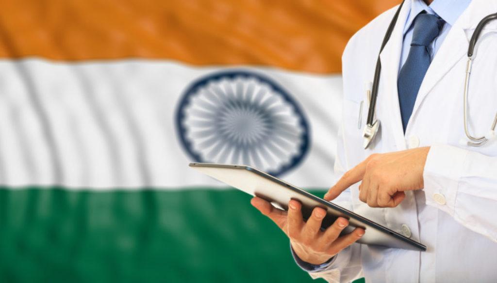 Dos jóvenes reciben con éxito los primeros trasplantes de útero en la India