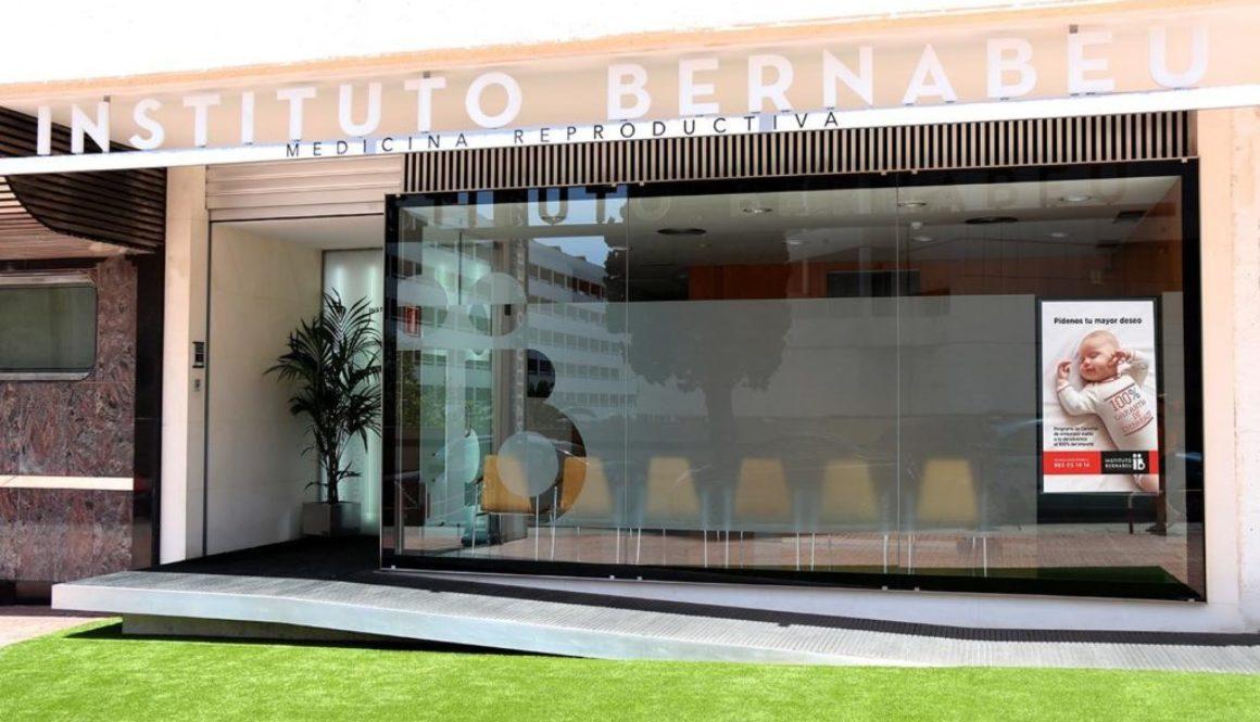 La clínica de Instituto Bernabeu en Benidorm abre tras obras de renovación
