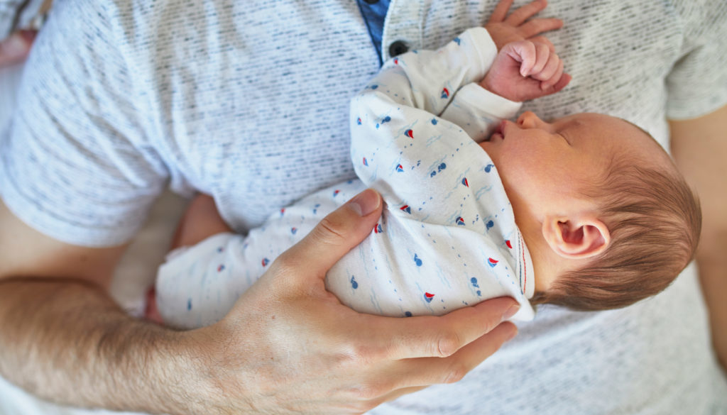 Ya es oficial: Se aprueba la ampliación a cinco semanas del permiso de paternidad
